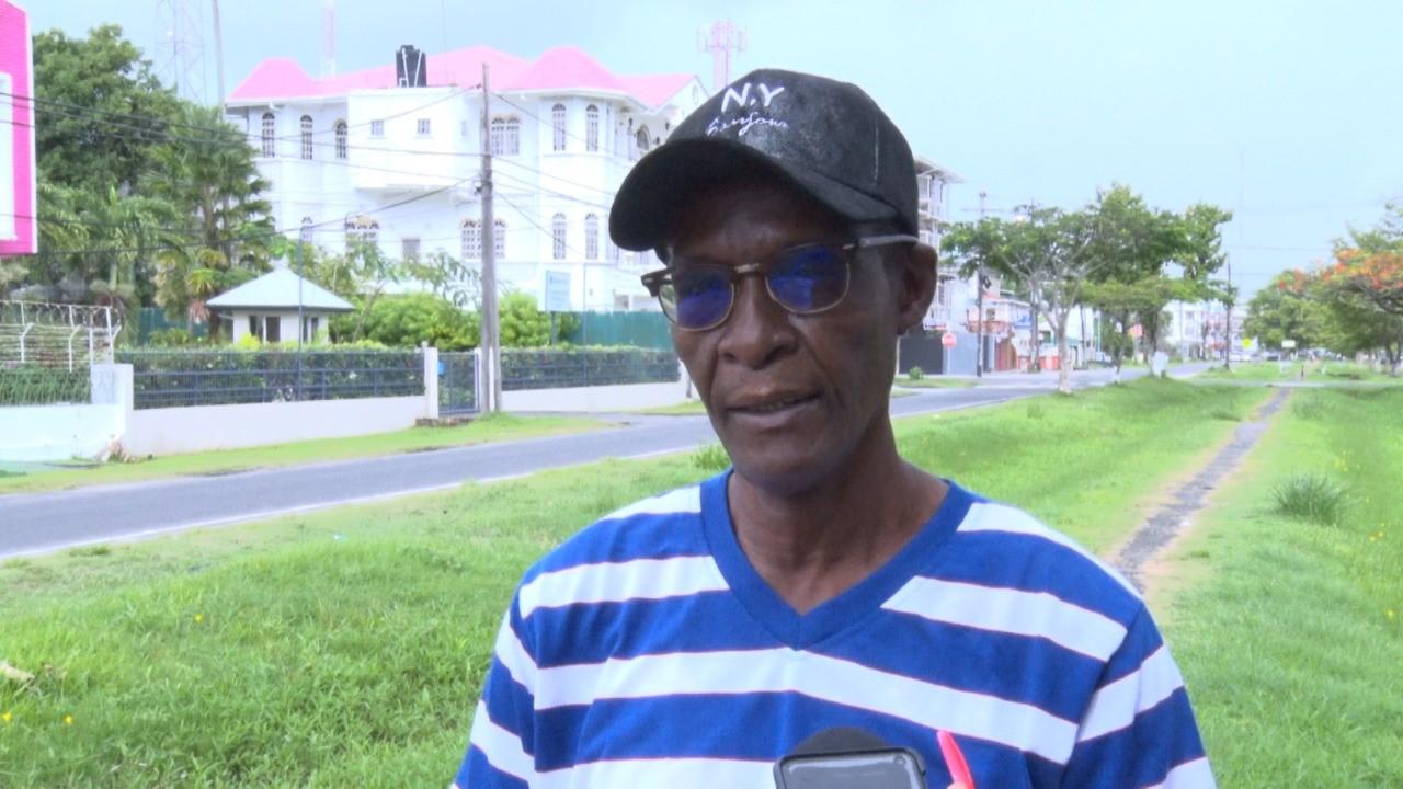 DenAmstelresidents must apply to Ministry of Housing for lands