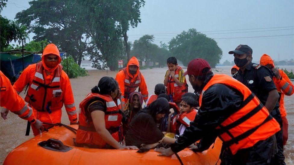 Hunt for survivors after deadly India floods