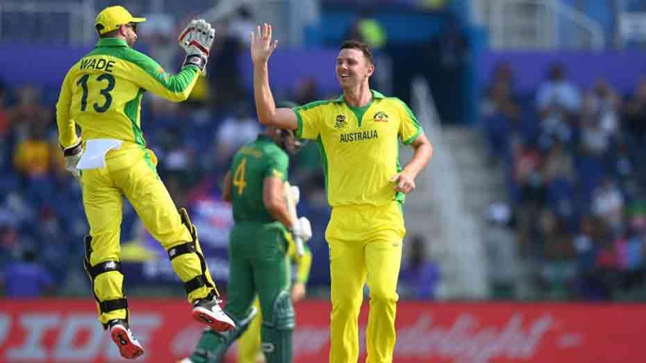 Australia beat South Africa in tense Super 12s opener