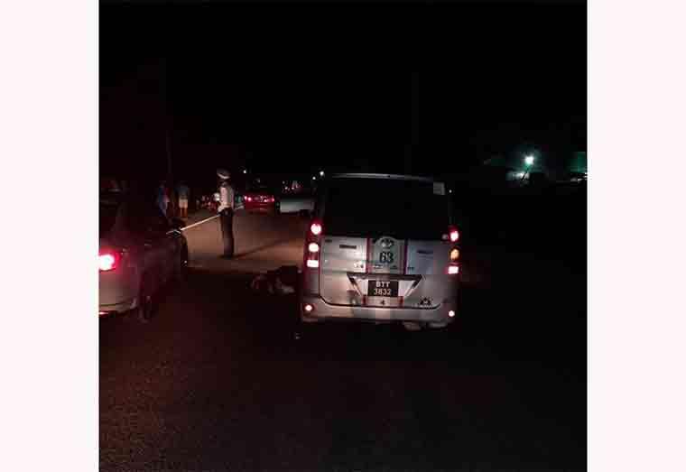 Cyclist dies after hit by speeding minibus